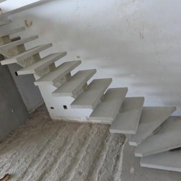 Escada pré moldada preço